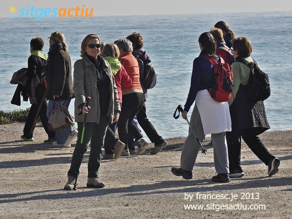 Sitges actiu sitges turismo sitges sitges guia for Piscina municipal sitges