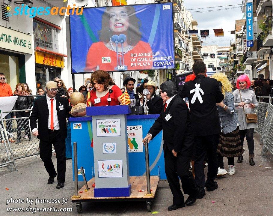 carrera de llits disfressats carnaval de sitges 2014